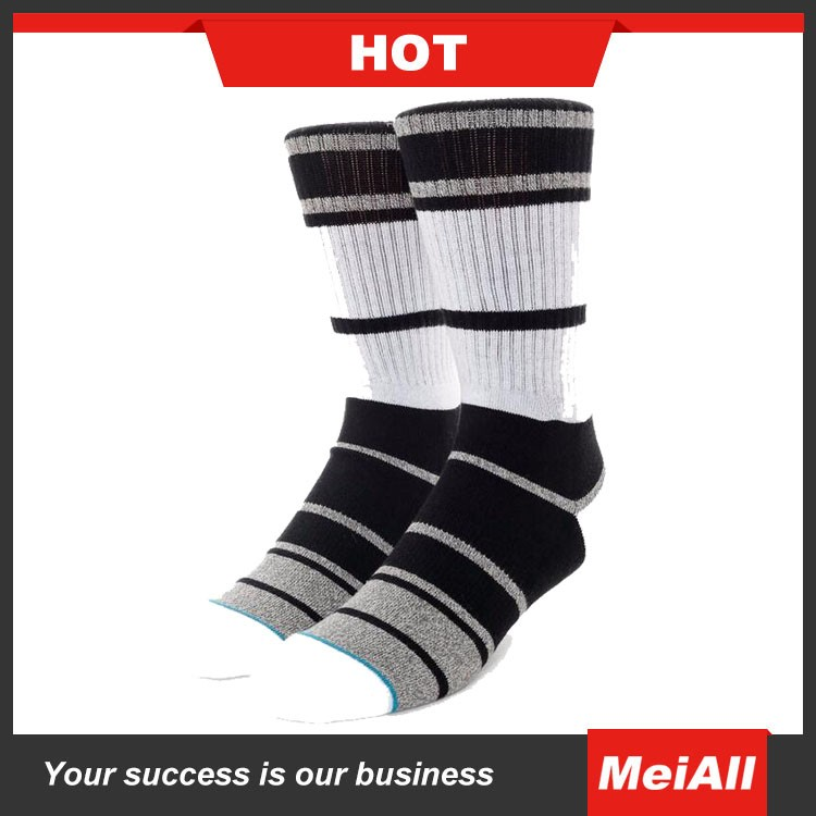 Thigh High Athletic Socks With 3 Stripes Top