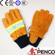 Water and flame isolated fire resistant gloves