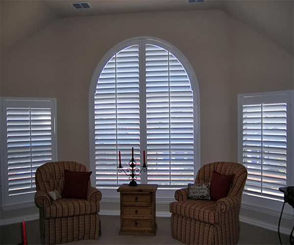Decorate frame plantation shades with low price