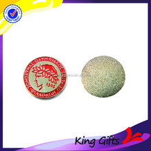 Hot-selling soft enamel plating gold golf ball markers with people head logo