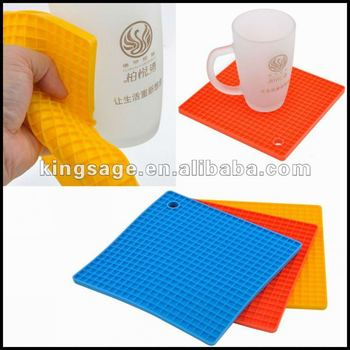 Food grade heat resistant kitchen hot sell Non-toxic durable silicone cup coaster silicone table pot mat pad
