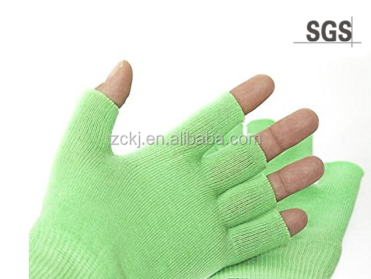 Best Gel Cotton Moisturizing Gloves Touch Screen - Wear at night - Heals Dry Skin and Cracked Hands Fast - Anti Aging Hand Treat