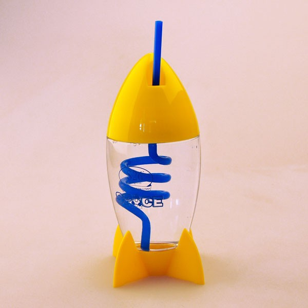 Promotion Plastic cup kids drinking rocket shape cup with straw