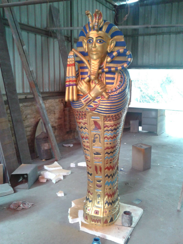 King Tut Tomb statue