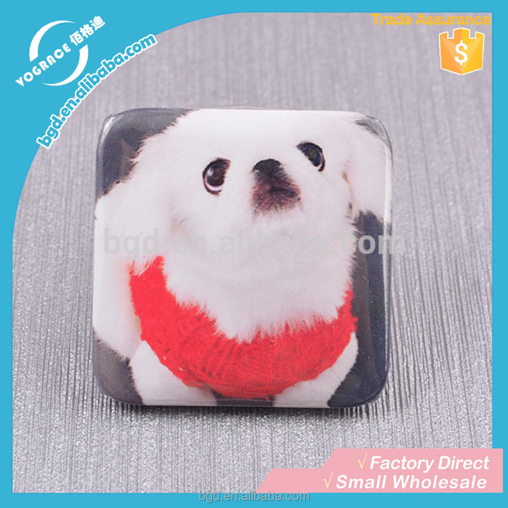 VOGRACE High quality square tin badge