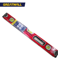 spirit level with magnetic block