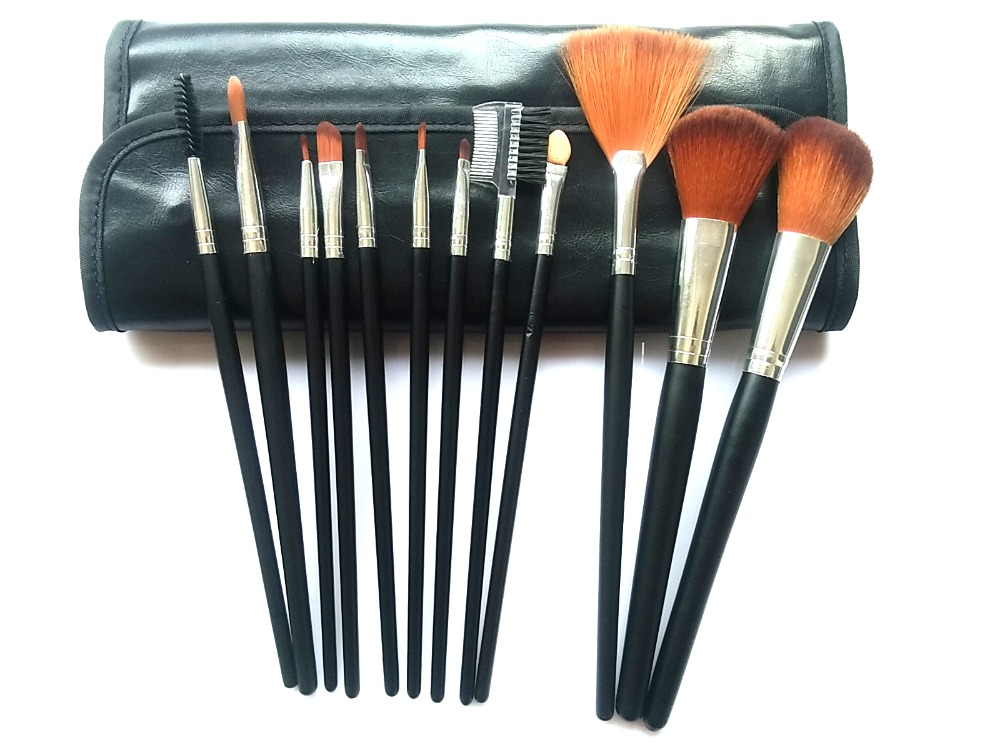 private label 12pcs high quality wooden brush foundation brush Cosmetic Brush Set