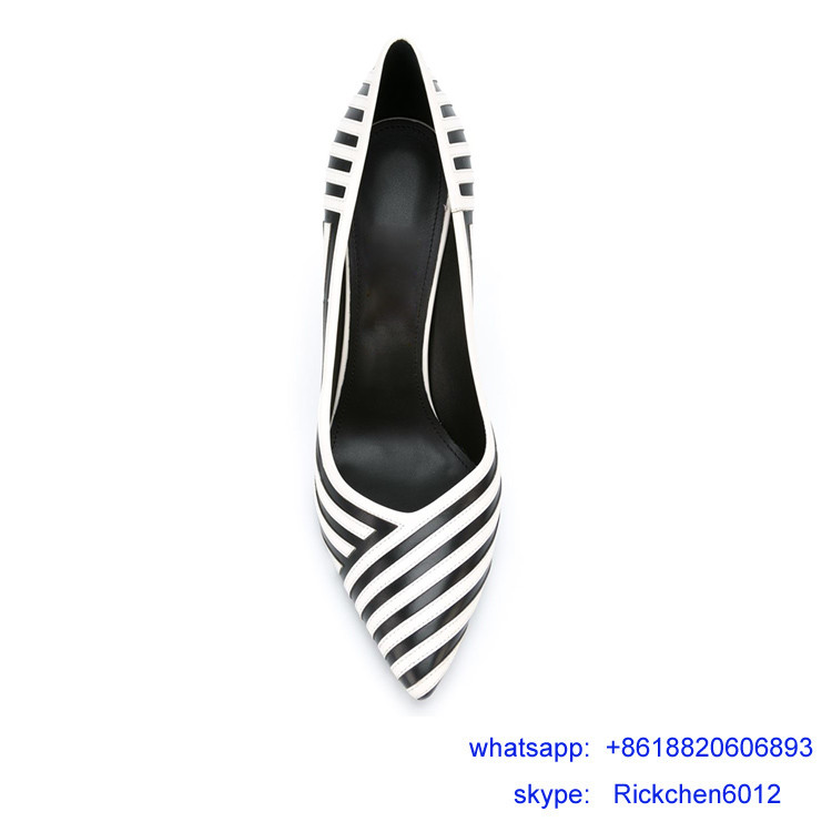chequered with black and white heel shoes lady