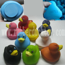 wholesale 8cm multicolored weighted floating rubber duck ,floating race duck upright, weighted rubber duck with number