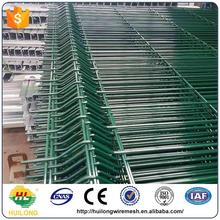 Green Painted welded wire mesh fencing & strained wire fencing