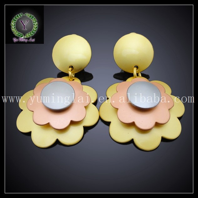 graceful gold plated jewelry sets with exquisite craftsmanship jewelry sets with flower pendant in soft color