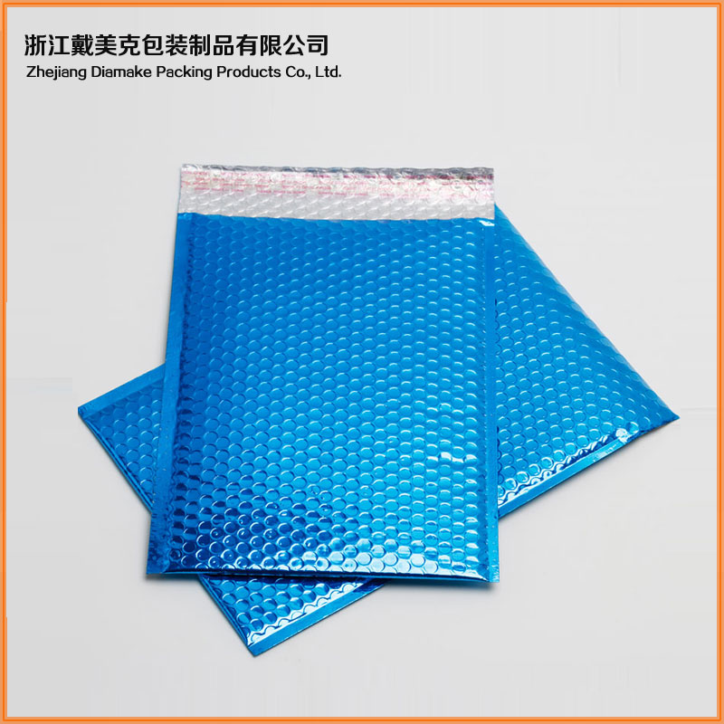 Manufacturer printing Moisture Proof aluminum foil/poly bubble mailing bags for Clothing packaging