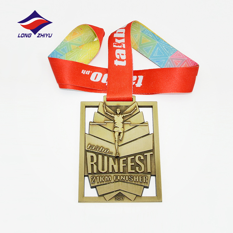 Longzhiyu 12years beautifully customized <strong>metal</strong> and running medal with colorful ribbon