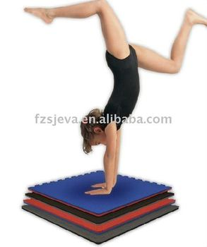 Flexible gymnastic floor mat
