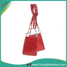 China Crocodile Texture Pu Red Waterproof Bag for Mobile Phone with Long Strap