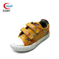 2017 latest loafer cheap yellow canvas buckles shoes