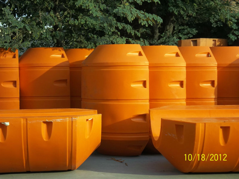 hot selling wearproof HDPE and PU material floating docks