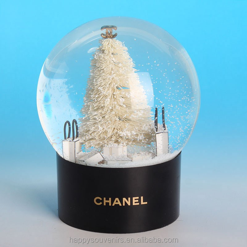 Beautiful high quality snow globe/snowdome for famous brand