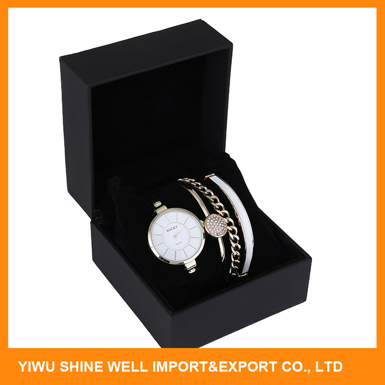 Top selling unique design Alloy waterproof women watch with bracelets fast delivery
