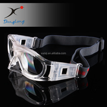 OEM glasses factory in China GUANGZHOU 2017 new design safety for playing Football basketball professional products Sport goggle