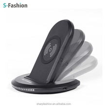U8 three Coils Qi compatible fast wireless charger for iphone8, iphonex and Samsuny mobile phone