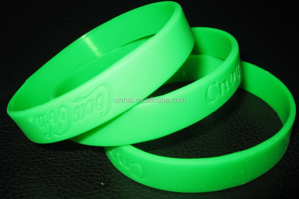 engraved green custom silicone wristbands no minimum