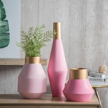 Latest original design fashion pink resin material flower vase event decor flower boutique interior design