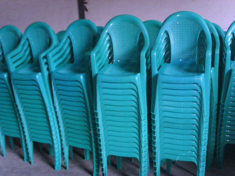 bule plastic chair with arm