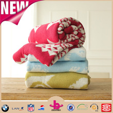 Owl pattern jacquard craft thick sweater fabric chunky knit blanket cotton baby throw blanket custom knit throw