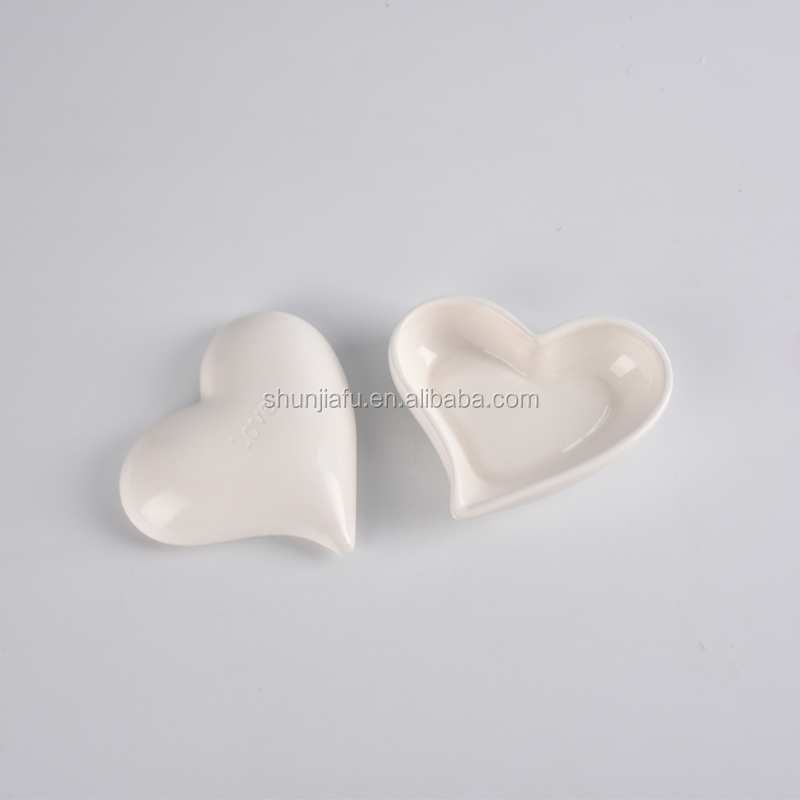 Classic Design Heart Shape Ceramic Trinket Box With Lid