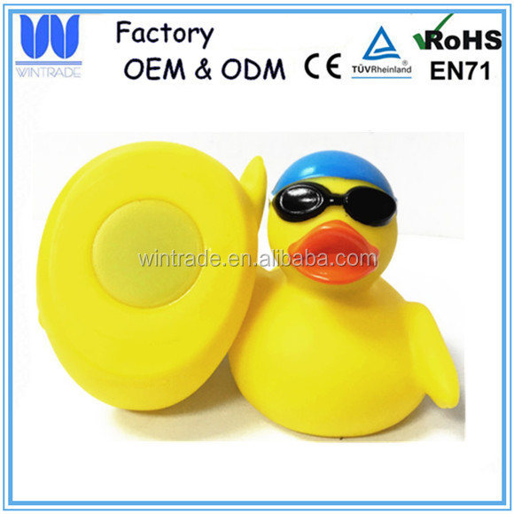 Weighted floating rubber race duck