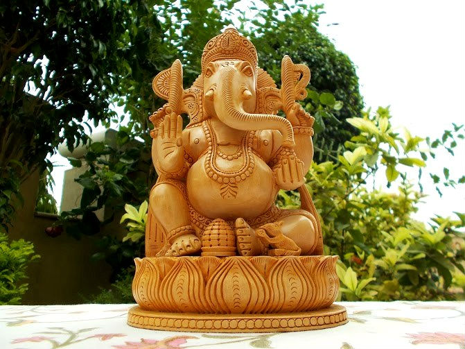 Brown Wooden Hand Carved God GANESH GANESHA Elephant Hindu Lord STATUE India