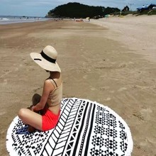 Aliexpress china fashionable extra large round beach towel with beautiful tassels