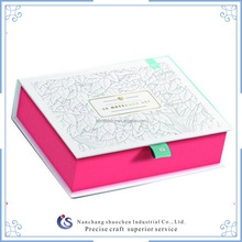 Fancy custom -made magnetic closure packaging box for child gift