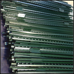 USA type green bitumen painted studded t post wholesale with 5 clips