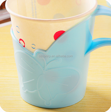 Factory direct sales insulated silicone anti-scald protective sleeve for coffee cup/mug with handle