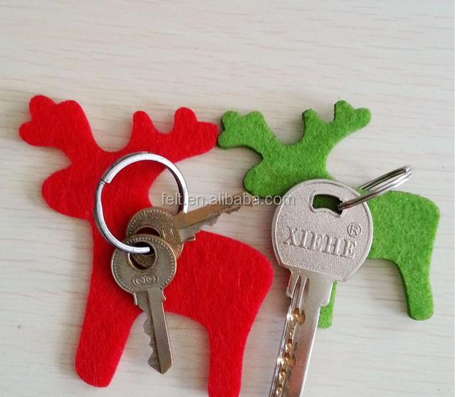 Cheap wholesale simple cute felt keychains
