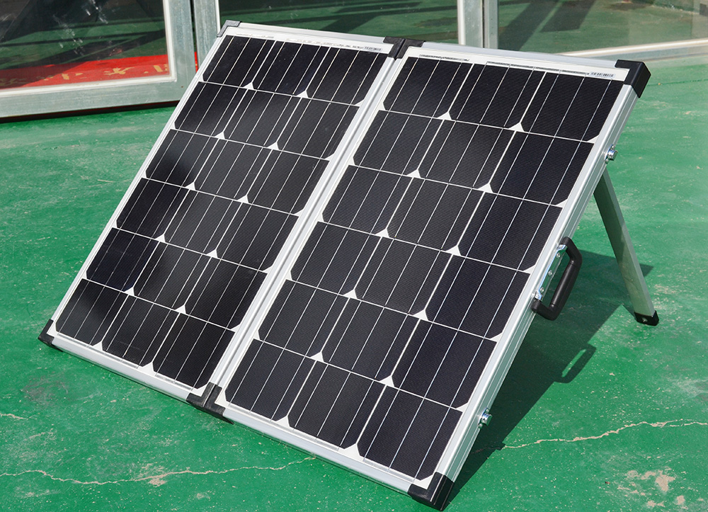 Foldable solar panel suitable for camp