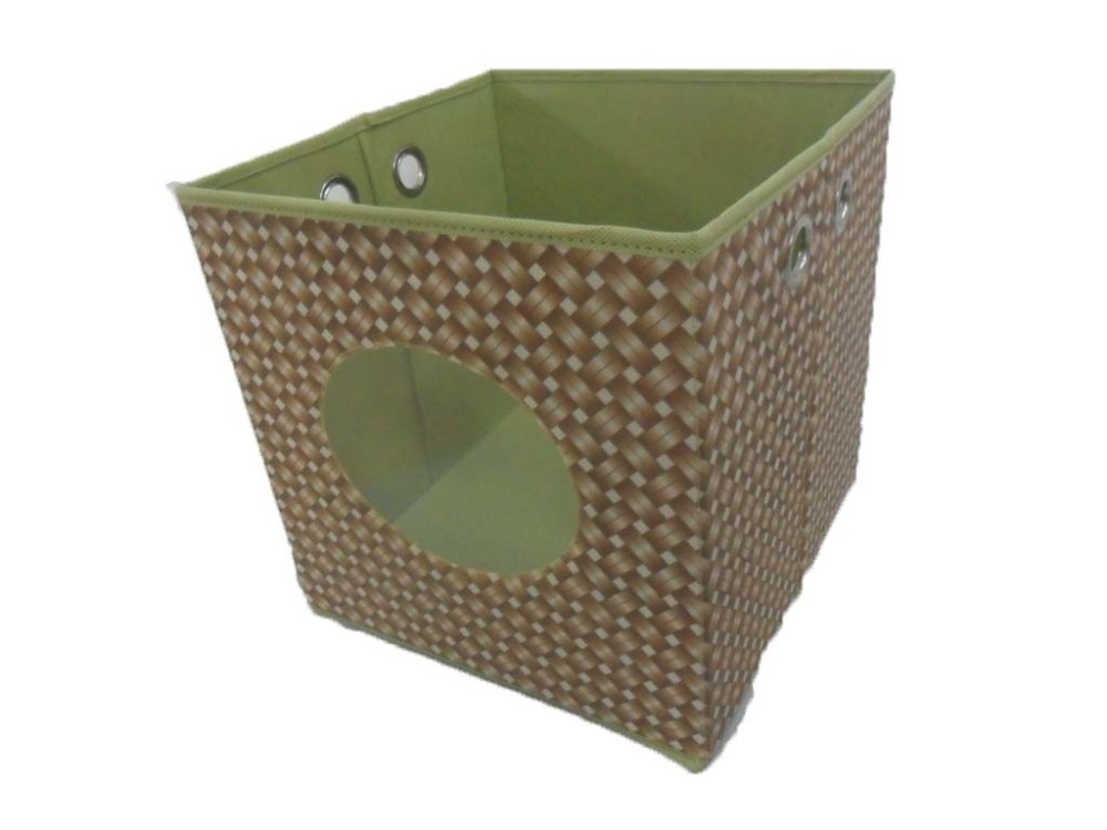 Storage box with eyelet handle