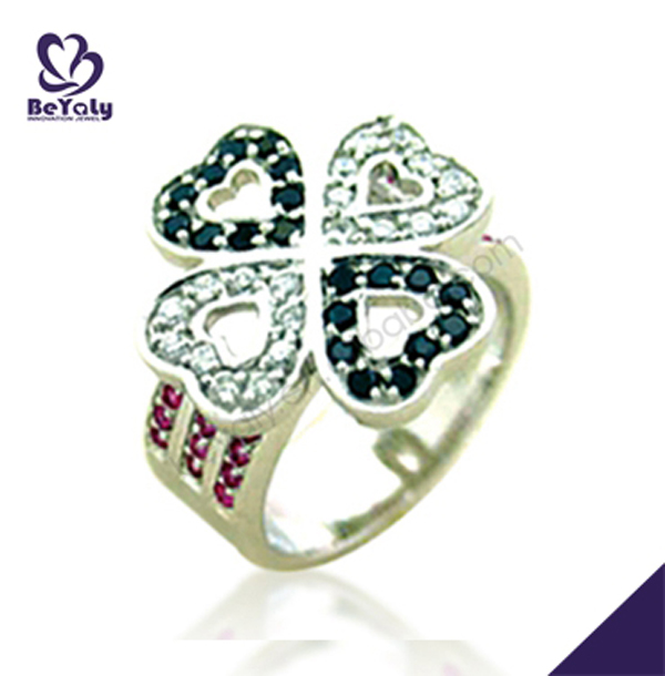 Luxurious four clover leaf silver american diamond rings