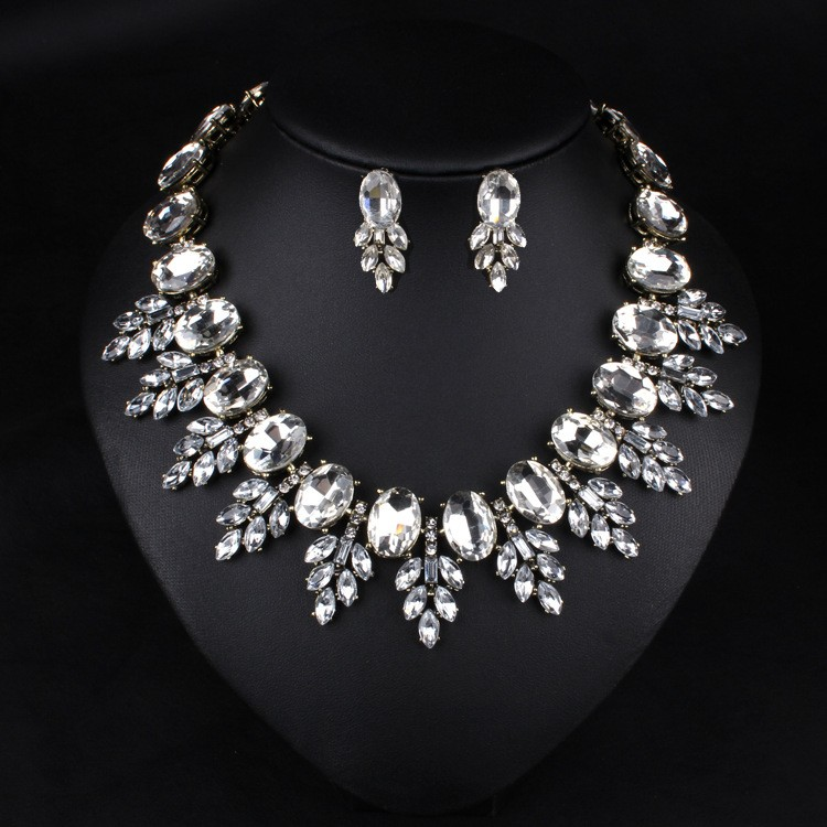 Wholesale Jewelry White and Black Crystal Alloy Statements Chokers Necklace and Earrings Sets for Women