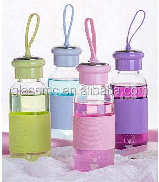 300ml 400ml glass bottle with colored mushroom lids solicon sleeve, juicing water beverage glass bottle for promotion