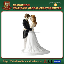 Top quality lovely groom and bride figurines hand paint resin wedding cake topper