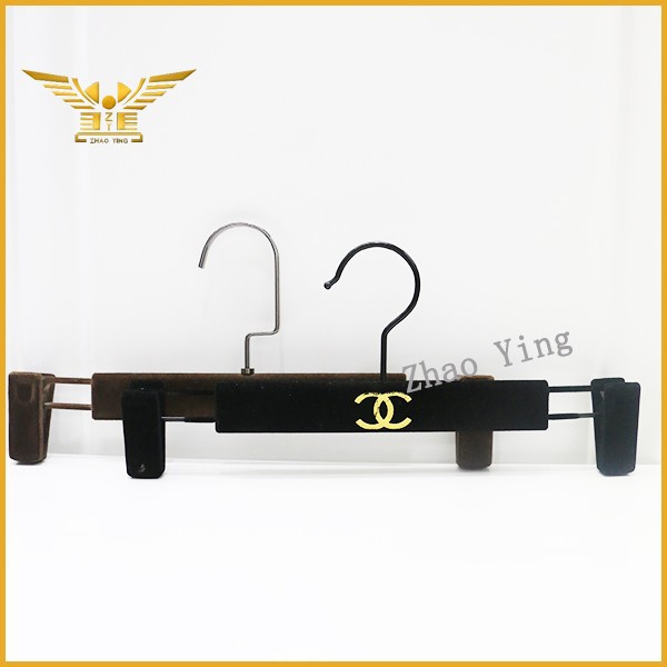 Custom logo hanger black velvet pants hanger with clip