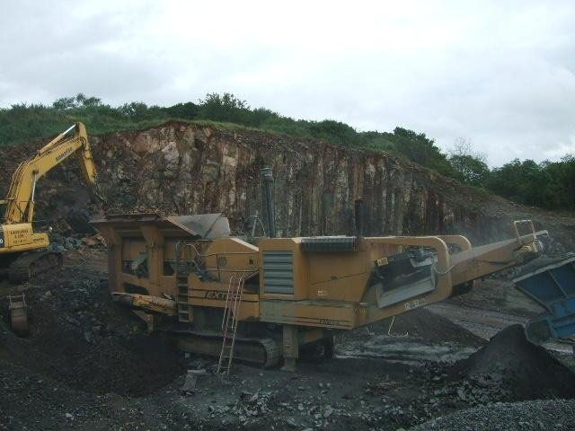EXTEC C12 TRACK JAW CRUSHER