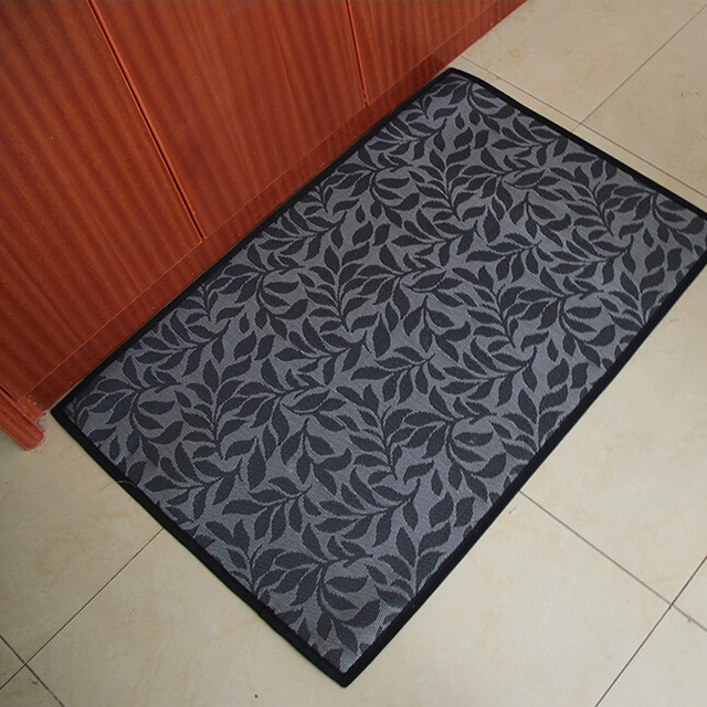 Wholesale prices bathroom,living room,kitchen waterproof floor mat / entrance door mat / polypropylene pvc floor mat