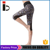 Thick polyester fabric no see through fitness sublimation 3/4 capri pants