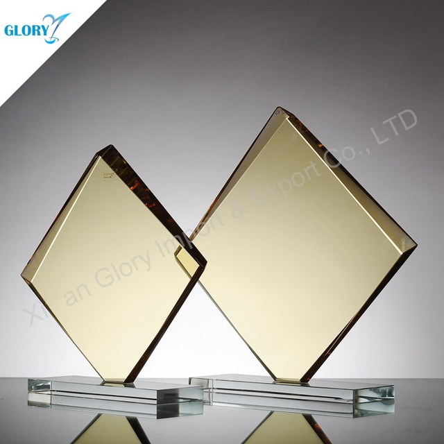 Wholesale Cheap Square Stand Gold Glass Award Plaque Materials
