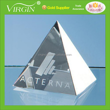 Personalized 3D Laser Engraving Pyramid Optical Crystal Crafts