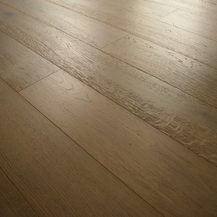 10 Years Warranty UV-Curing Coating Finish Solid Wood Flooring Oak